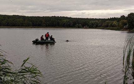 З повітря, на воді та у лісосмугах: правоохоронці продовжують слідчі дії неподалік місця обстрілу авто Шефіра