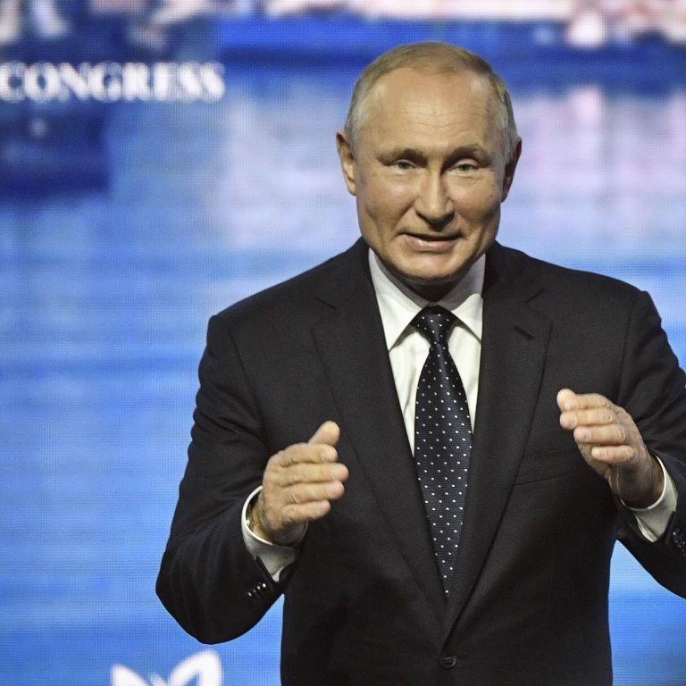 """В Евросоюзе осудили """"анти-Навальный закон"""" Путина"""