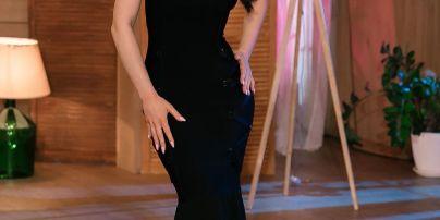 """Первое свидание: участница шоу """"Холостяк"""" сделала Михаилу Заливако массаж ног прямо на вечеринке"""