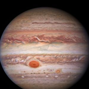 Телескоп Hubble зробив яскраві знімки Юпітера