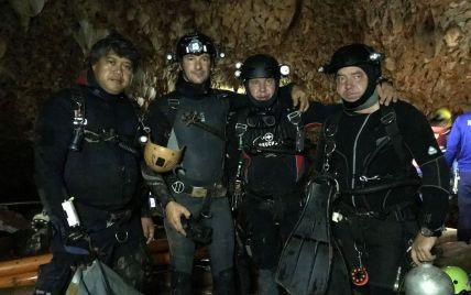 В кромешной темноте отдаленных пещер: как волонтеры из Украины спасали детей из ловушки в Таиланде