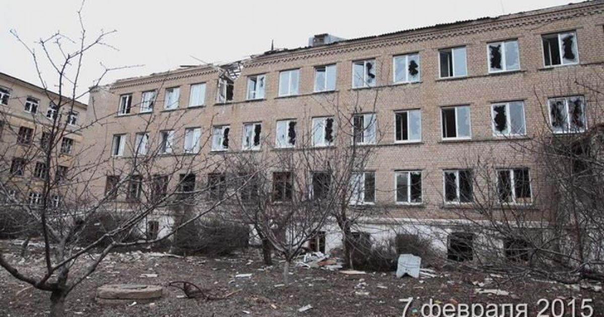 Зруйнований Вуглегірськ після артобстрілів / © sirgis.info