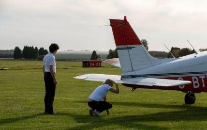 Хотіла помститися колишньому: у США жінка зламала систему управління і допустила до польотів несправні літаки