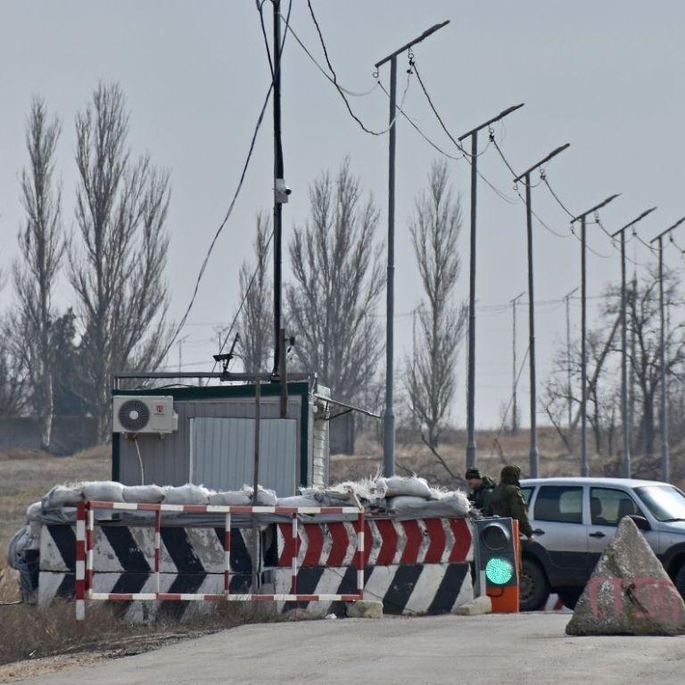 Пункт пропуска на админлинии с оккупированным Крымом прекращает работу