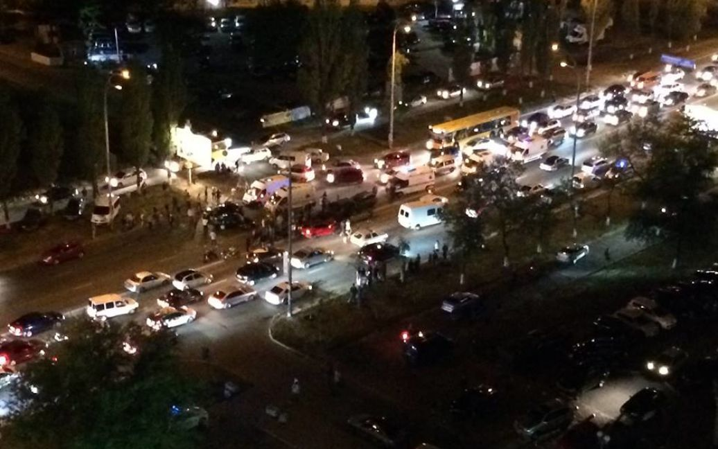 В ДТП на Героев Сталинграда столкнулись 5 машин. / © facebook/Игорь Шороп
