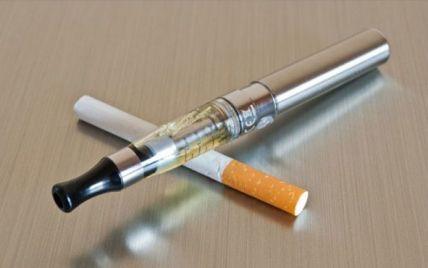 Электронные сигареты могут стать панацеей для тех,кто не может бросить.