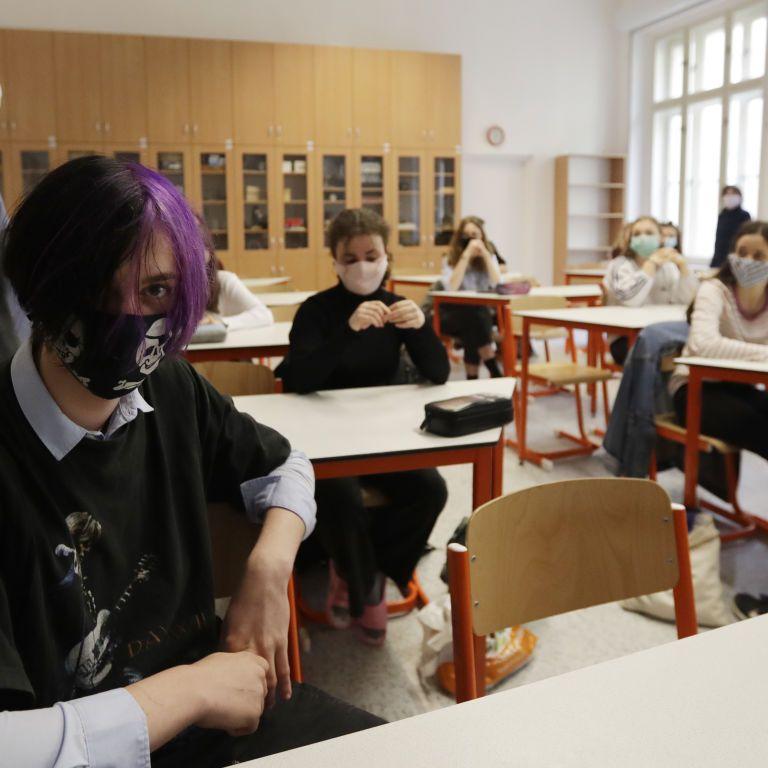 В Чехии во время занятий почти два десятка школьников потеряли сознание: что случилось
