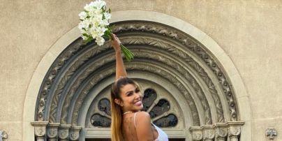 """""""Буду любити себе вічно"""": у Бразилії жінка вийшла за себе заміж і незабаром вирушить у медовий місяць"""