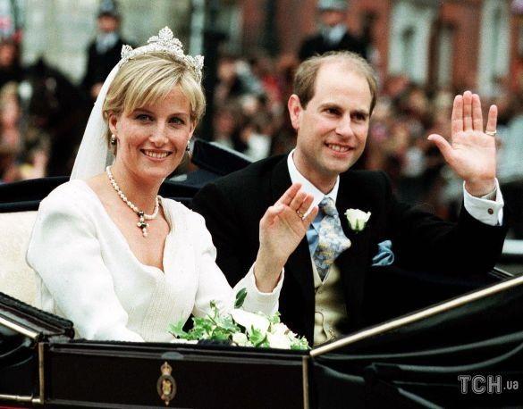 Графиня Уэссекская Софи и принц Эдвард в день своей свадьбы / © Associated Press