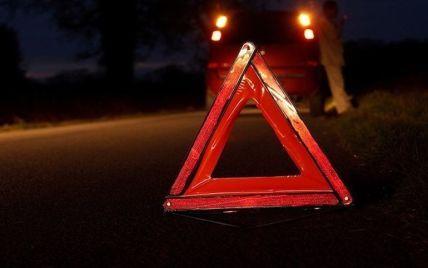 Трагическая смерть под собственными колесами: во Львовской области авто перевернулось и раздавило водителя