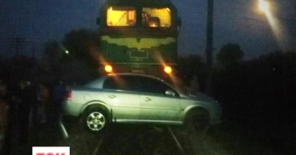 Один человек погиб в результате аварии на железнодорожном переезде на Буковине