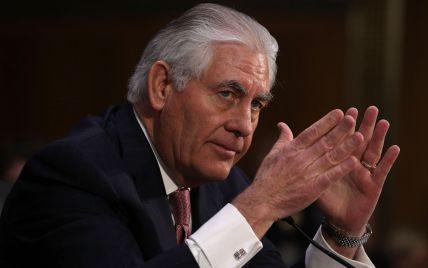 Тиллерсон объяснил ракетный удар по военной базе в Сирии опасностью химических атак по США
