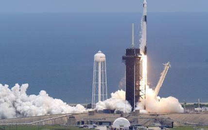 """Цивільні астронавти взяли з собою на орбіту запис """"Kings of Leon"""" та іграшкового песика: у всього є мета"""
