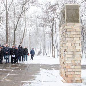 """Віталій Кличко і Меморіал Голокосту """"Бабин Яр"""" відкрили інсталяцію до роковин Куренівської трагедії"""