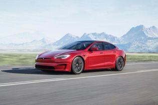 Найшвидший серійний автомобіль в історії від Tesla викликав обурення у перших покупців: названо причину