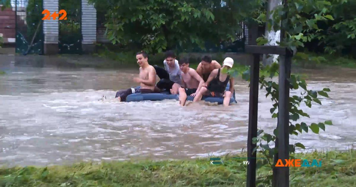 На Прикарпатье более 4 с половиной тысячи жилых домов оказались подтопленными