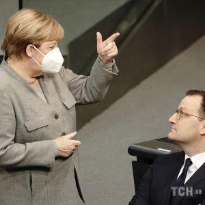 """У партії Меркель закликають ввести мораторій на """"Північний потік-2"""""""