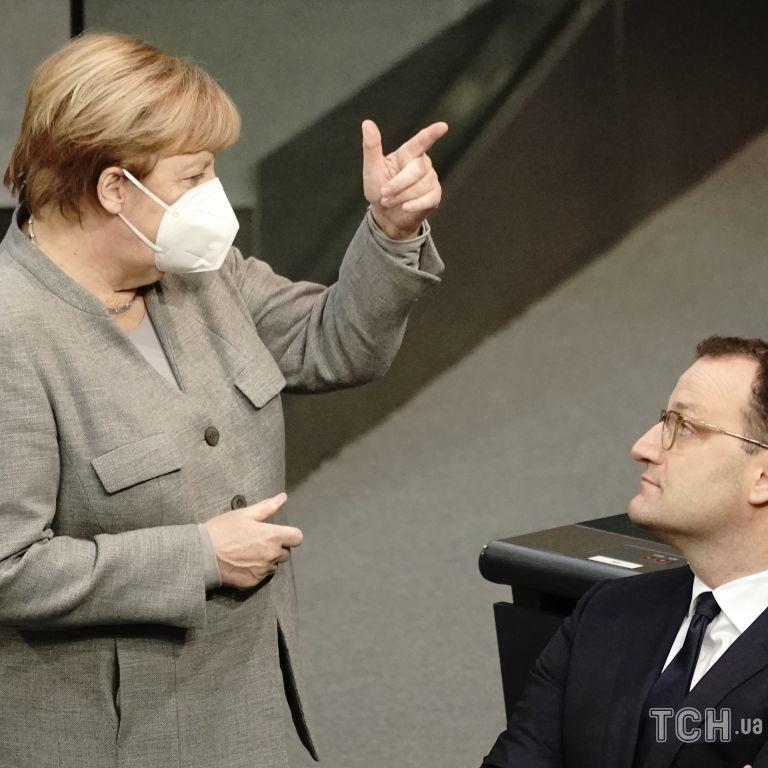 """В партии Меркель призывают ввести мораторий на """"Северный поток-2"""""""