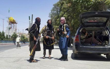 """Блискавичне захоплення: як """"Талібану"""" вдалося так швидко встановити контроль над Афганістаном"""