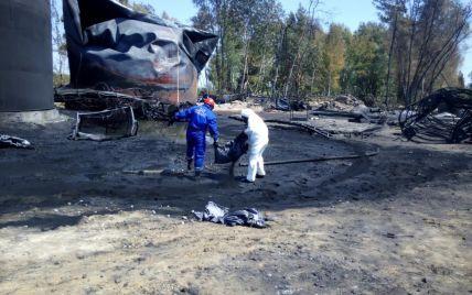 На нефтебазе под Васильковом прорвало трубопровод, по которому перекачивали топливо