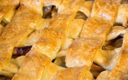 Зірковий рецепт: яблучний пиріг від Олексія Душки