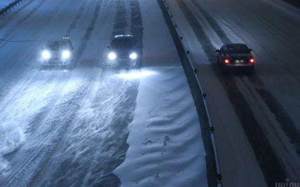 Київ обмежує в'їзд великогабаритного транспорту через негоду