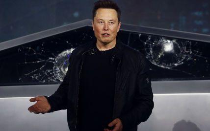 """Ілон Маск просить працівників Tesla перейти у режим """"суперхардкору"""", щоб впоратися з поставками"""