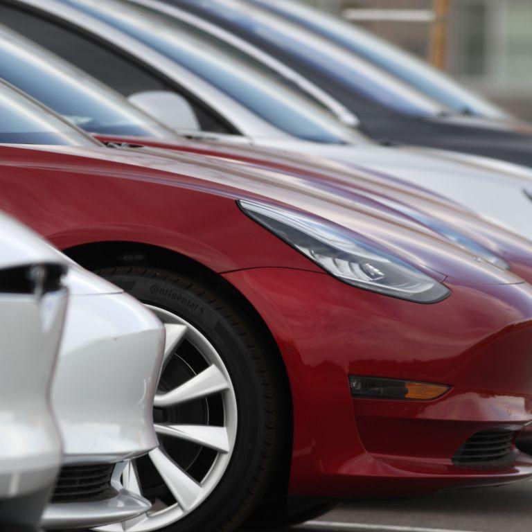 Обдурити не вийде: Tesla запатентувала нову систему для водіїв, які не люблять пристібатися
