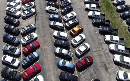 Каких масштабов достиг кризис чипов и как он повлиял на продажи авто