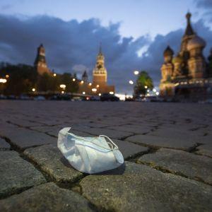 В Росії послаблюють карантин попри велику кількість хворих на коронавірус