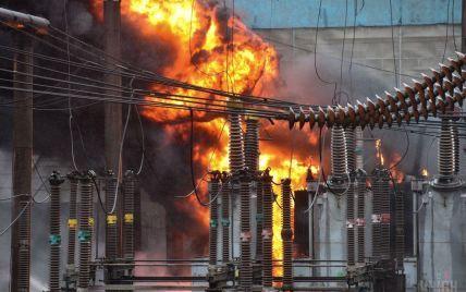 В Киеве на электроподстанции произошел пожар со взрывом