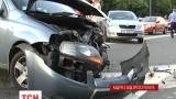 В Киеве разбилось восемь машин, три человека пострадали