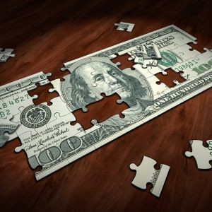У Харкові суддя поскаржився на хабар ксерокопіями доларів США