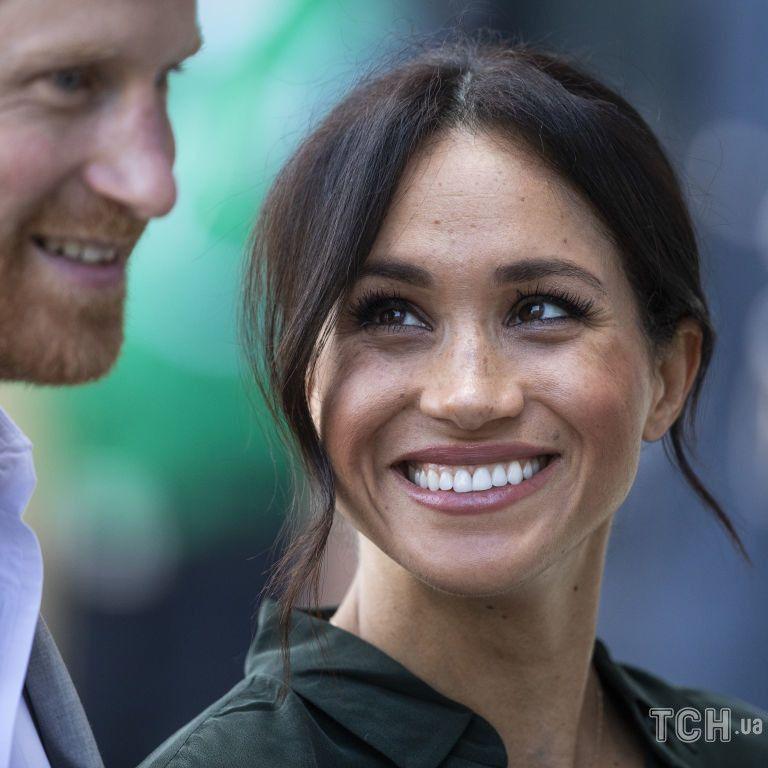 Всі у захваті: як королівська сім'я привітала Гарі і Меган з народженням дочки