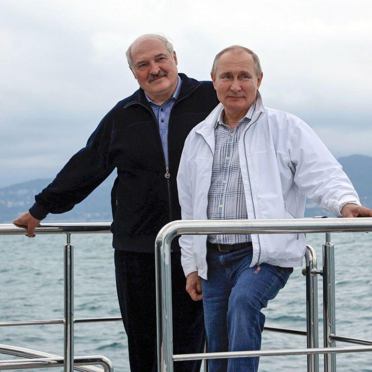 Путин пообещал Лукашенко выделить Беларуси полмиллиарда долларов