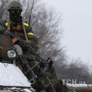 Reuters показав відважних бійців АТО під Дебальцевим та підбиту техніку бойовиків