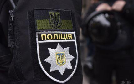 На Херсонщине полиция спасла девушку на матрасе, которую отнесло за километр от берега