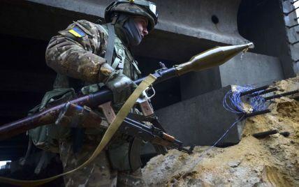 """На Луганщині військові знищили танк терористів і гармату """"Нона"""""""