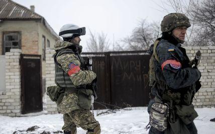 Силовики відбили штурм бойовиків під Луганським, ворог веде обстріли на чотирьох напрямах