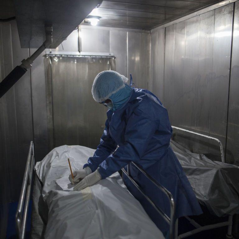 В Україні є ризик появи свого штаму COVID-19: медик пояснив, за яких умов це можливо