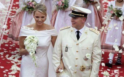 10 лет со дня свадьбы: рассматриваем два свадебных образа княгини Монако Шарлин