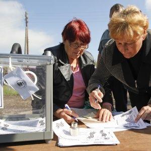 Экстремисты Луганщины решили голосовать до 23:00