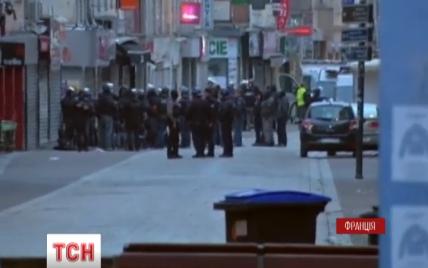 Силовики считают, что парижские террористы приобрели оружие через Интернет - СМИ