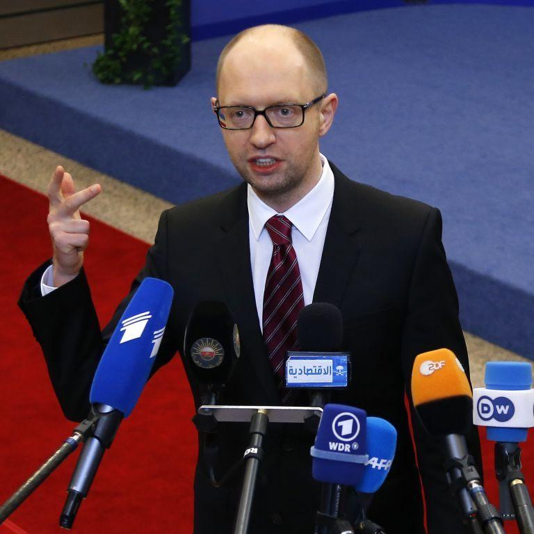 Яценюк заявил, что без кредита МВФ курс доллара в Украине мог быть 25-35 грн