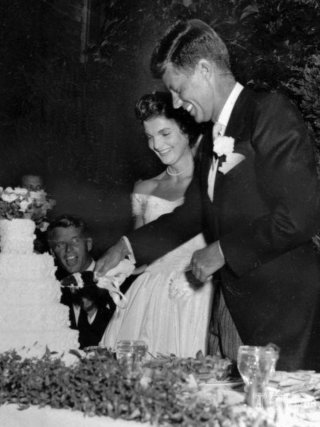 Джон и Жаклин Кеннеди, их свадьба 12 сентября 1953 года / © Associated Press