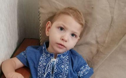 Маленький Захар втрачає свій шанс на здорове майбутнє без дорогих реабілітацій
