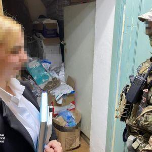 В Одесской области сотрудница полиции воровала наркотики из вещественных доказательств и продавала их