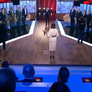 """Команда, попередники, Донбас та """"смішно – моя колишня професія"""" Ключові тези Зеленського в ефірі """"Права на владу"""""""