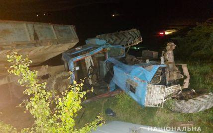 На Буковині трактор причавив 6-річну дівчинку, яка була в ньому з батьком