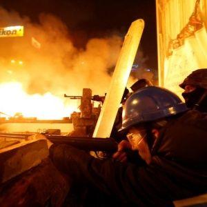 """У МВС заявили, що активісти в Києві померли від пострілів """"своїх"""""""